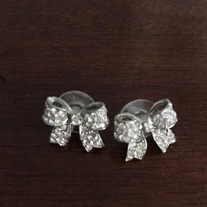 Jewelry - Rhinestone bow earrings 🎀🎀🎀
